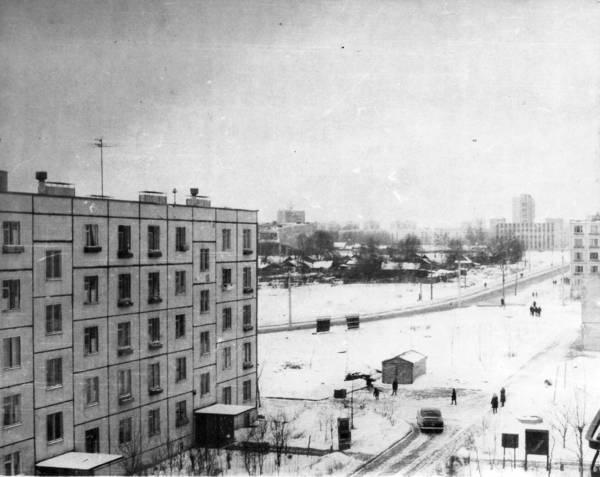 Вид из окна на Селигерскую улицу 1968-1970г.jpg