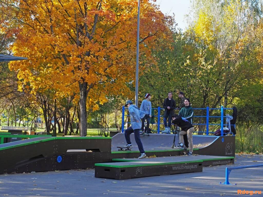 Парк имени Святослава Фёдорова-22.JPG